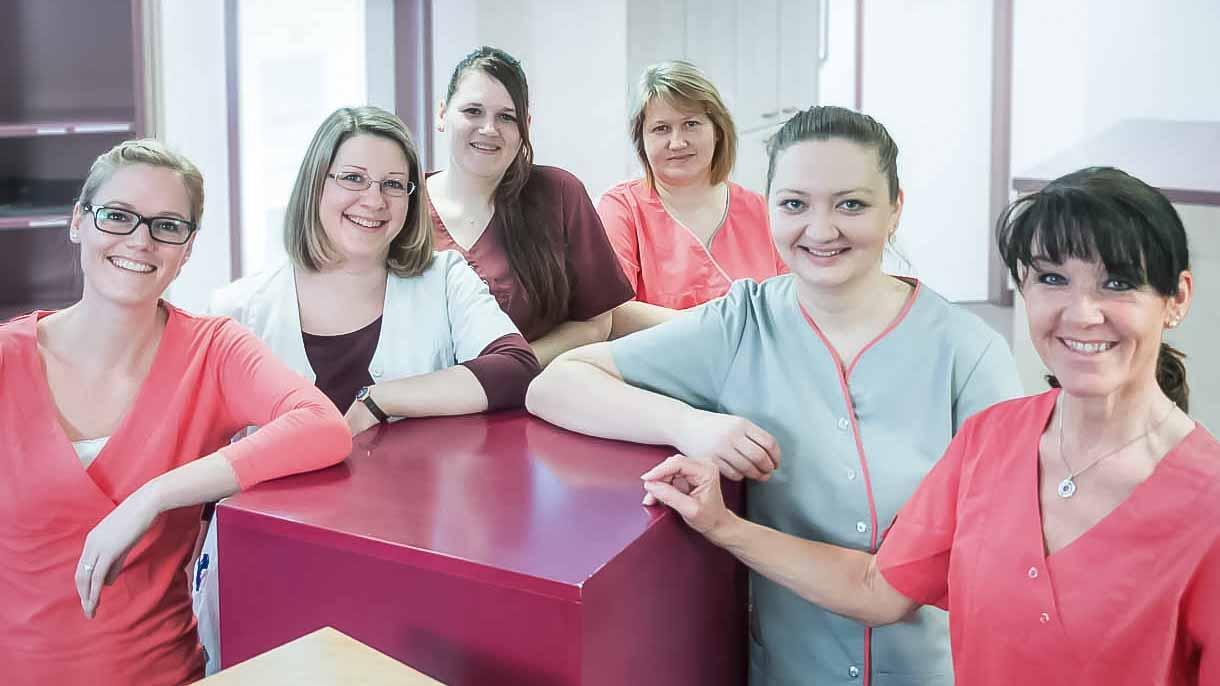 Die Medizinischen Fachangestellten der Nephrologischen Praxis München-Unterhaching begleiten Sie bei der Anmeldung, Diagnostik und Therapie.